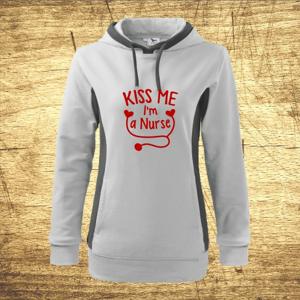 Dámska mikina s kapucňou s motívom Kiss me, I´m a nurse