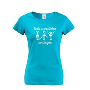 Dámske tričko s vtipnou potlačou - vínom Rada a pravidelne posilujem